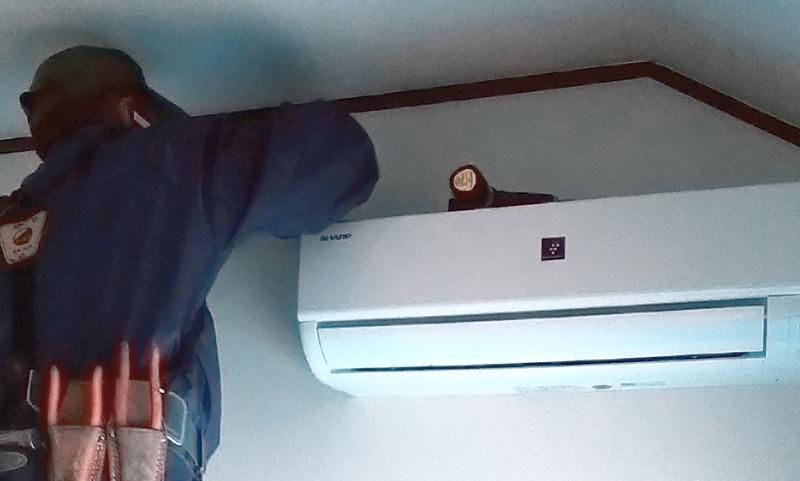 シックハウス症候群対策に換気扇を取り付けた事例
