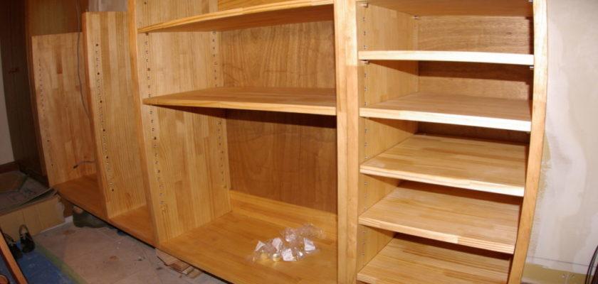 造り付けの玄関収納、下駄箱