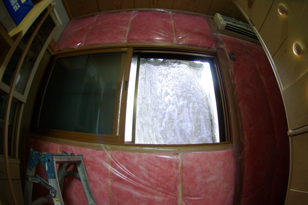 断熱工事で西側の寝室を夏の西日・冬の寒さから守る!【完結編】
