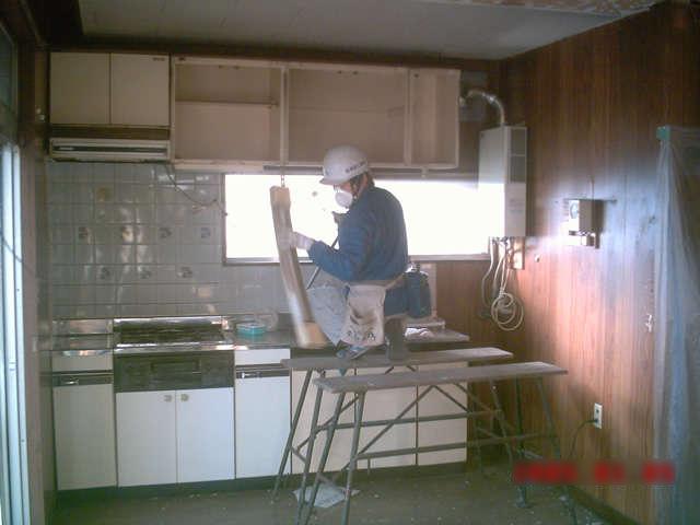 和室とリビングをつないで憩いのスペースができた システムキッチンも明るくキレイに