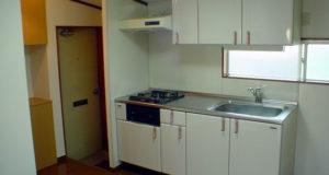 西東京市のアパート システムキッチンにして雰囲気一新