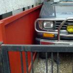 狭い車庫を広く!鉄製オリジナルの塀にリフォームした事例