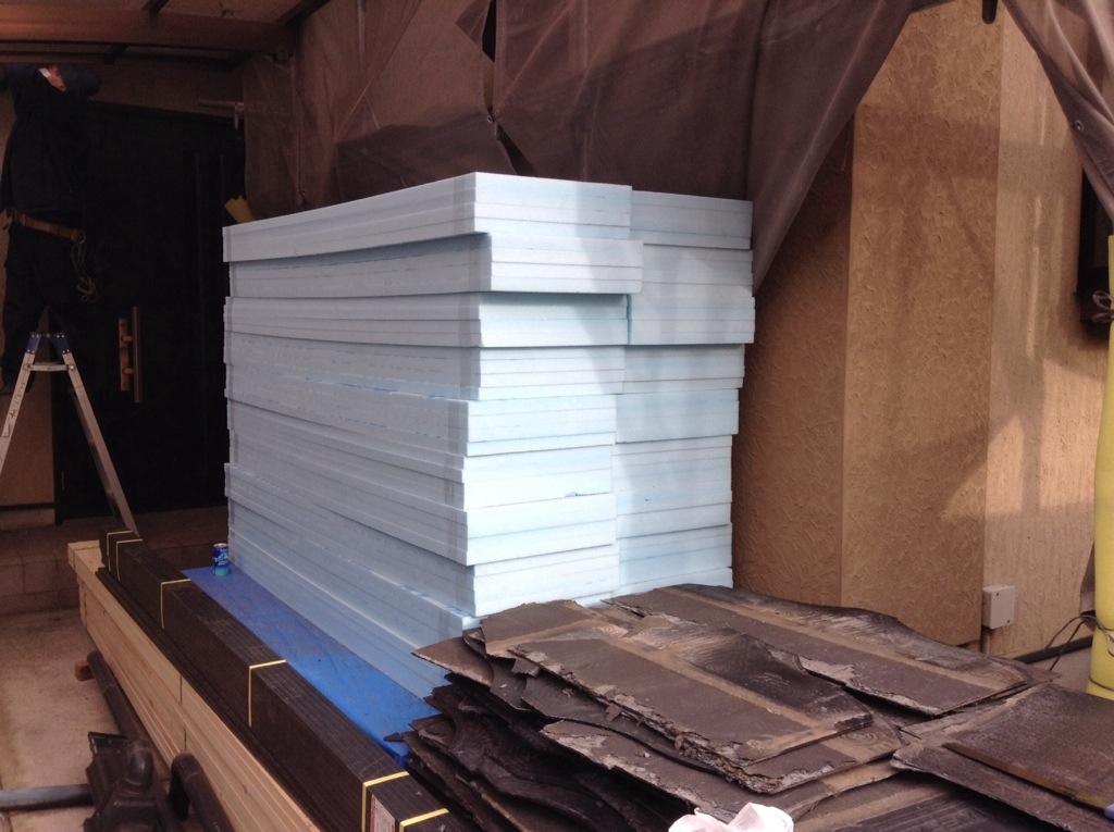 塗り替えの必要がないアスファルトシングル葺屋根にリフォームした事例