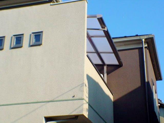 ベランダに屋根が欲しい!少しの雨なら洗濯物が濡れないようリフォーム