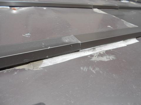 お客様が見ることができない屋根の上。工事状況・工事結果は写真で報告