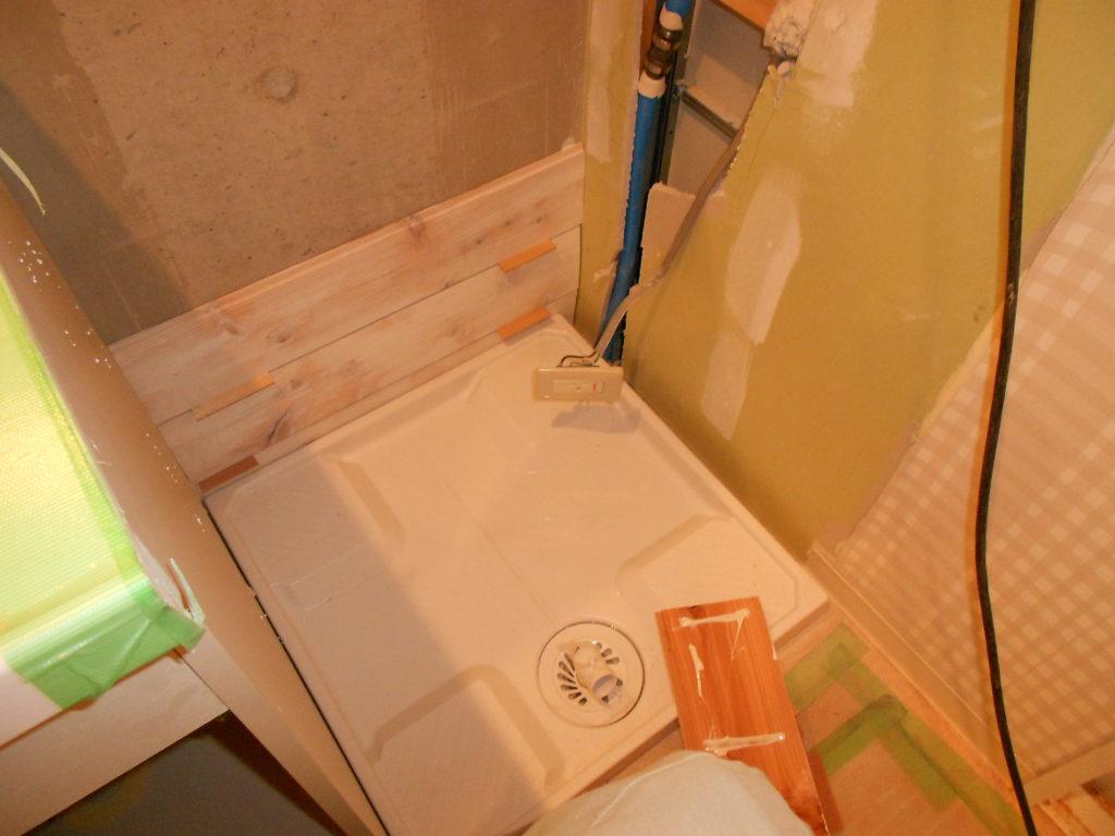 海外製ドラム式洗濯乾燥機置場をリフォーム!国産洗濯機を置けるスペースに