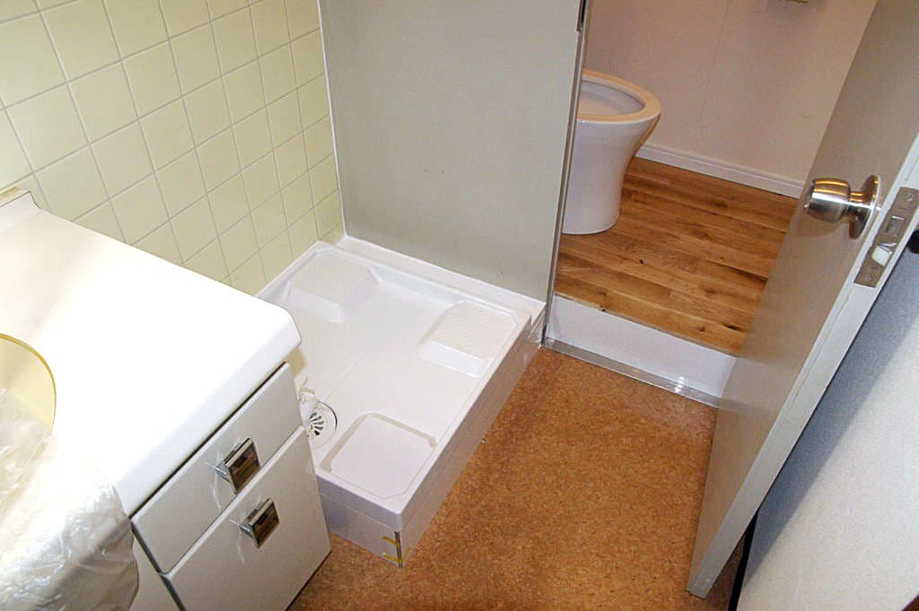 水周りを快適に──トイレと洗濯機置場を同時リフォーム
