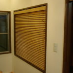 木製ブラインドでハイセンスにコーディネート
