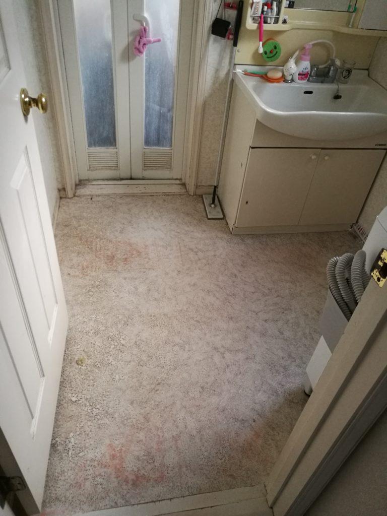 外壁塗装と同時に洗面室を改装 ノーリツの三面鏡にリフォーム