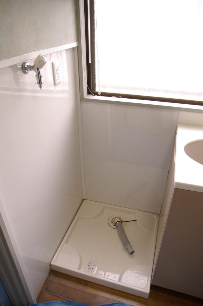 賃貸物件のビルトイン洗濯機を国産ドラム式にリフォーム