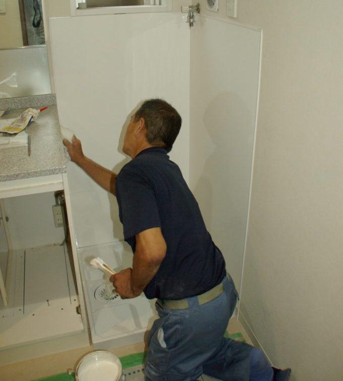 ビルトイン洗濯機置き場を縦型の洗濯機が置けるようにリフォーム