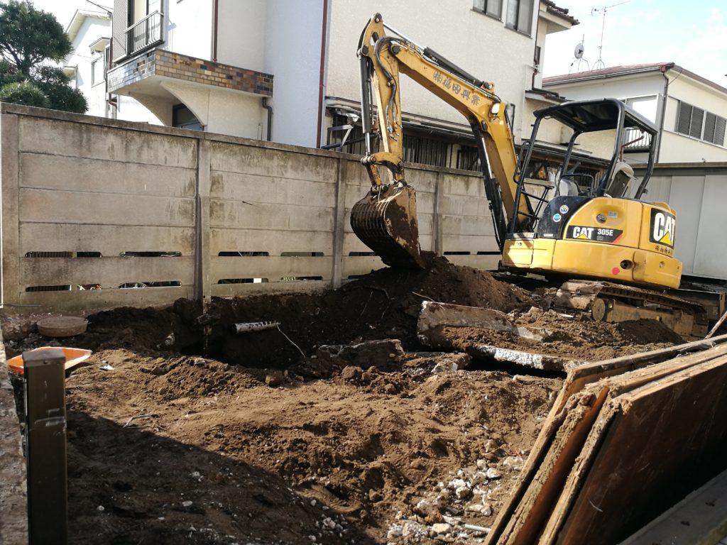 隣家を解体して駐車場の拡充とベランダの増設【駐車場編】