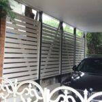 駐車場と隣家との境のフェンスをリフォーム