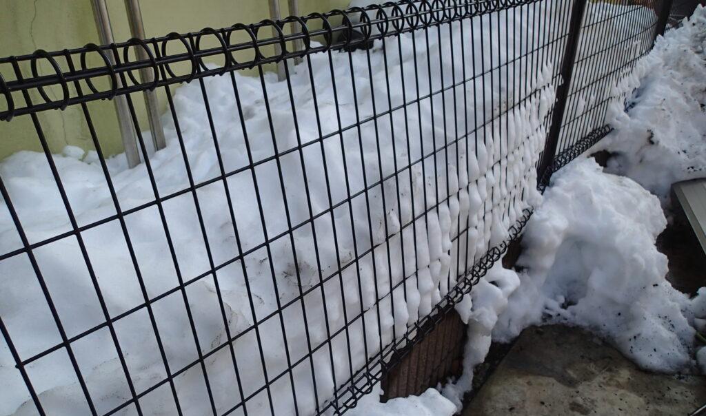 雪の重みで壊れたカーポートを新しくリフォーム
