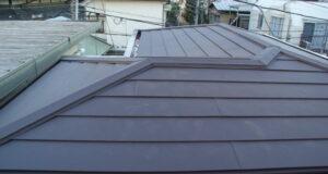 "<span class=""title"">古くなった屋根をガルテクトカバー工法で真新しく</span>"