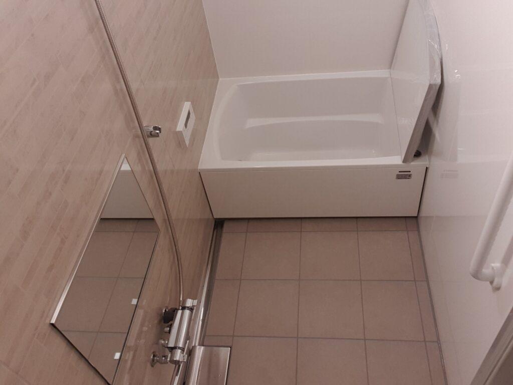 自宅を暖かいスペースへ 断熱改修の第1歩に浴室リフォーム