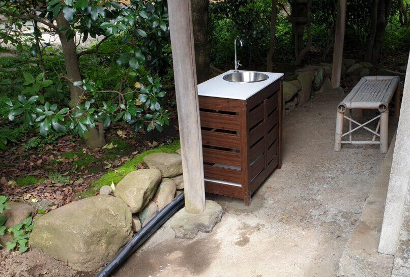 庭仕事に便利なガーデンシンクを設置